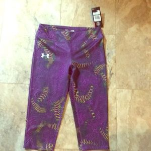 Under armour fitted work out pants girls large